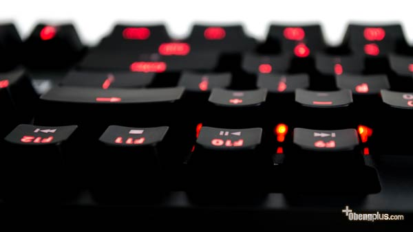 G.Skill Ripjaws KM570 MX Keyboard Mekanik dengan lampu LED warna 
