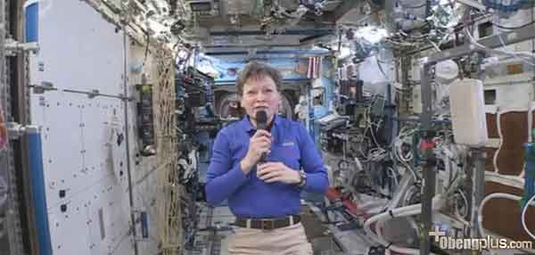 Astronot Peggy Whitson manusia paling lama tinggal di ISS